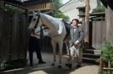 馬の乗り降りや名乗りにも注目(C)NHK