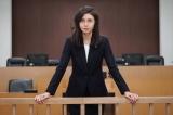 一人娘を人質に取られ、裁判に臨む弁護士・天吹芽依子を熱演(C)テレビ朝日