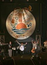 ファンクラブイベント『ゆずの輪presents秋祭り杜の音〜ゆずの大応援〜in横浜文化体育館』を開催したゆず