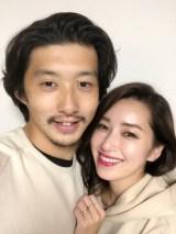 モデルの仁香が16歳年下のフォトグラファー柴田翔平氏と結婚