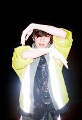 新アーティスト写真を公開した米津玄師(C)Jiro Konami