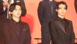 (左から)エイ政役の吉沢亮、主人公・信役の山崎賢人 =『キングダム』の実写映画製作報告会見 (C)ORICON NewS inc.