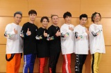 ワンマンライブ前に囲み取材に応じたDA PUMPの(左から)KIMI、YORI、DAICHI、ISSA、KENZO、U-YEAH、TOMO