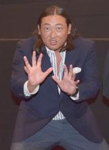 力士のポーズで会場を盛り上がる秋山竜次 (C)ORICON NewS inc.