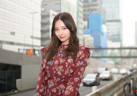"""""""破壊的美貌""""とこの夏話題になったNMB48の村瀬紗英が、ファッションブランド・『ANDGEEBEE』のプロデューサーに就任。 (C)oricon ME inc."""