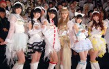 白魔女衣装でファンを魅了したでんぱ組.inc(左から)夢眠ねむ、相沢梨紗、古川未鈴、最上もが、藤咲彩音、成瀬瑛美(C)ORICON NewS inc.