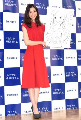 『弁理なアイデア展』オープニング発表会に出席した足立梨花 (C)ORICON NewS inc.