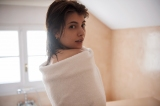 マギーの3rd写真集『new Moon』先行カット 宝島社/撮影:土山大輔[TRON]