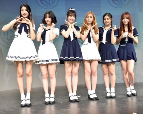 6人組ガールズグループ・GFRIEND(左から)ソウォン、ウナ、イェリン、シンビ、オムジ、ユジュ (C)ORICON NewS inc.