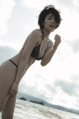 佐藤美希、1st写真集が重版決定