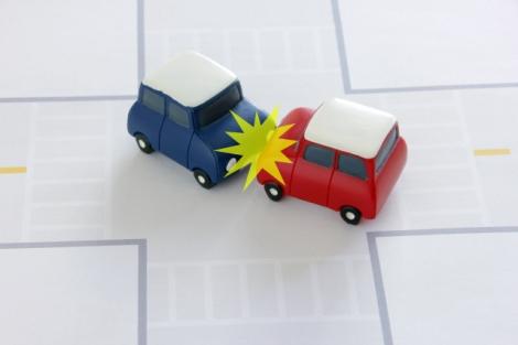 交通事故発生時の正しい対処法とは? 万が一の事態に備えておさえておこう