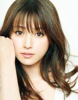 TBS1月期火曜ドラマ『初めて恋をした日に読む話』で主演を務める深田恭子