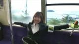 『YOUは何しに日本へ?にガチ参戦! アイドルだけど超本気コラボで汗と涙の3時間SP』11月12日放送決定。阪口珠美が東武日光駅前でYOUにインタビューするディレクターに(C)テレビ東京