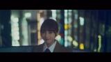 若手メンバーを中心に編成された16人のユニット曲「キャラバンは眠らない」MVより