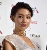 『第31回東京国際映画祭』オープニングイベントのレッドカーペットに登場した日南響子 (C)ORICON NewS inc.