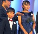 『東京ドラマアウォード2018』の授賞式にドラマ『KADIN』の祝福で駆けつけた(左から)高橋來、鈴木梨央 (C)ORICON NewS inc.