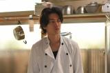"""火曜ドラマ『義母と娘のブルース』(TBS系)では、""""フーテンのダメ男""""麦田章を演じた (C)TBS"""