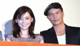 映画『あいあい傘』初日舞台あいさつに登壇した(左から)倉科カナ、市原隼人 (C)ORICON NewS inc.