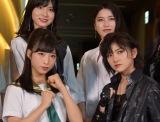 AKB48の小栗有以(前列左)&岡田奈々(前列右)W主演舞台『マジムリ学園』初日前会見 (C)ORICON NewS inc.