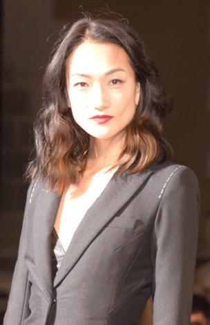 『BAZAAR ICONS BY CARINE ROITFELD』のブラックカーペットに登場した冨永愛 (C)ORICON NewS inc.