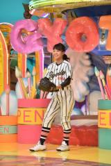 30日放送『ザ!世界仰天ニュース』に出演する島野愛友利(女子中学生ピッチャー)(C)日本テレビ