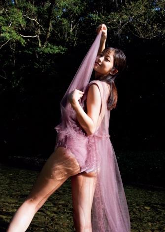 サムネイル 『週刊プレイボーイ』46号の表紙を飾った今田美桜(C)桑島智輝/週刊プレイボーイ