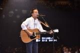 約3時間にわたって全32曲を熱唱 Photo by 菊地英二