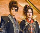 松平健の素顔に尊敬の眼差しを向けた(左から)上川隆也、溝端淳平 (C)ORICON NewS inc.