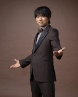 12月1日に生放送『いよいよスタート! BS4K BS8K 開局スペシャル』でMCを務める井ノ原快彦(V6)(C)NHK