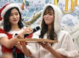 (左から)大野南香、傳谷英里香=セブン-イレブン・ジャパン『2018年クリスマスケーキ試食会』 (C)ORICON NewS inc.