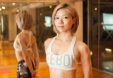 筋トレはほとんどしないという坂井。割れた腹筋と二の腕はポールダンスによって作られた。撮影/臼田洋一郎 (C)oricon ME inc.