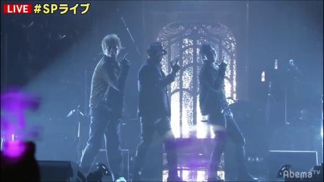 『7.2 新しい別の窓』で横山剣(中央)と共演した草なぎ剛&香取慎吾(C)AbemaTV