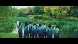 池の水選抜「池の水を抜きたい」MVより(C)AKS/キングレコード