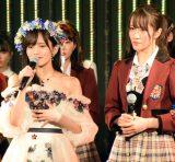 山本彩はNMB48キャプテンを5期生の小嶋花梨(右)に託した=卒業公演『目撃者』(C)ORICON NewS inc.