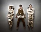 音楽劇『マニアック』キービジュアル(左から)成海璃子、安田章大、古田新太