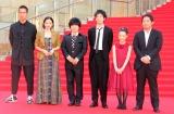 『第31回東京国際映画祭』オープニングイベントのレッドカーペットに登場した映画『ギャングース』出演者 (C)ORICON NewS inc.