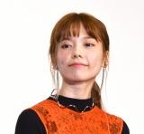 映画『ニセコイ』完成披露舞台あいさつに登壇した島崎遥香 (C)ORICON NewS inc.