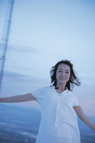 サムネイル スウェーデンで撮影された乃木坂46・北野日奈子の写真集より 撮影:藤本和典