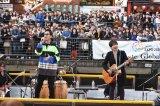 コブクロ道頓堀船上ライブに5千人