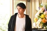 3年の時が経ち晶(岡田健史)は18歳に(C)TBS