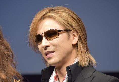 共同記者会見を開いたYOSHIKI (C)ORICON NewS inc.