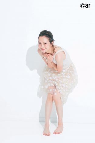 サムネイル 『ar』12月号で美の秘密を公開した森絵梨佳