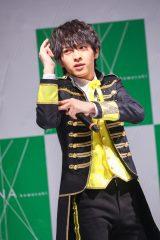 ラゾーナ川崎でニューシングル発売記念ライブを開催したM!LKの吉田仁人
