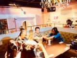 秋葉原のメイドカフェを初体験(C)テレビ朝日