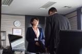 無罪を訴える秋津を立証が難しいと一蹴。熊沢弁護士は敵なのか、味方なのか?(C)テレビ東京