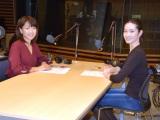 収録ブースの(左から)高橋尚子さん、荒川静香さん (C)ORICON NewS inc.