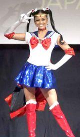 ポーズを決める加藤遊海さん (C)Naoko Takeuchi