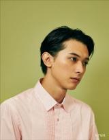『SPUR』1月号でメイクアップ企画のモデルに初挑戦した吉沢亮