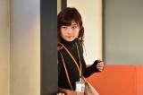 出演中のドラマ『獣になれない私たち』(日本テレビ)では、明るくもはた迷惑な女性・松任谷夢子を好演中の伊藤沙莉 (C)日本テレビ