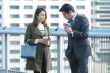 26日放送の月9ドラマ『SUITS/スーツ』第8話に出演する(左から)矢田亜希子、織田裕二 (C)フジテレビ